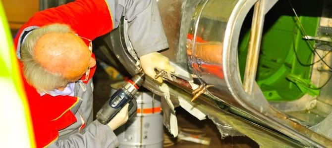 Riparazione capottina (2008) – Repairing the canopy (2008)